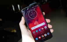摩托罗拉和Verizon表示 Moto Z3是全球首款可升级5G的智能手机