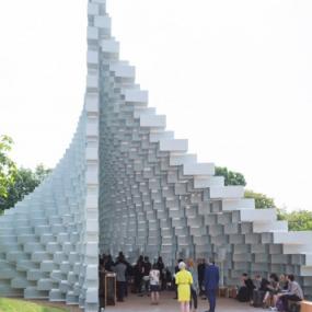 比格克·英格斯完成了蛇形画廊展馆这是实心盒子和斑点两者