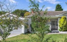 桑德灵厄姆的房屋堆栈在拍卖会上的价格超过210万美元