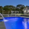 弗兰克斯顿南部的两个夏季度假屋销售旺盛