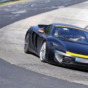 迈凯轮P13配备444bhp 3.8升双涡轮增压V8